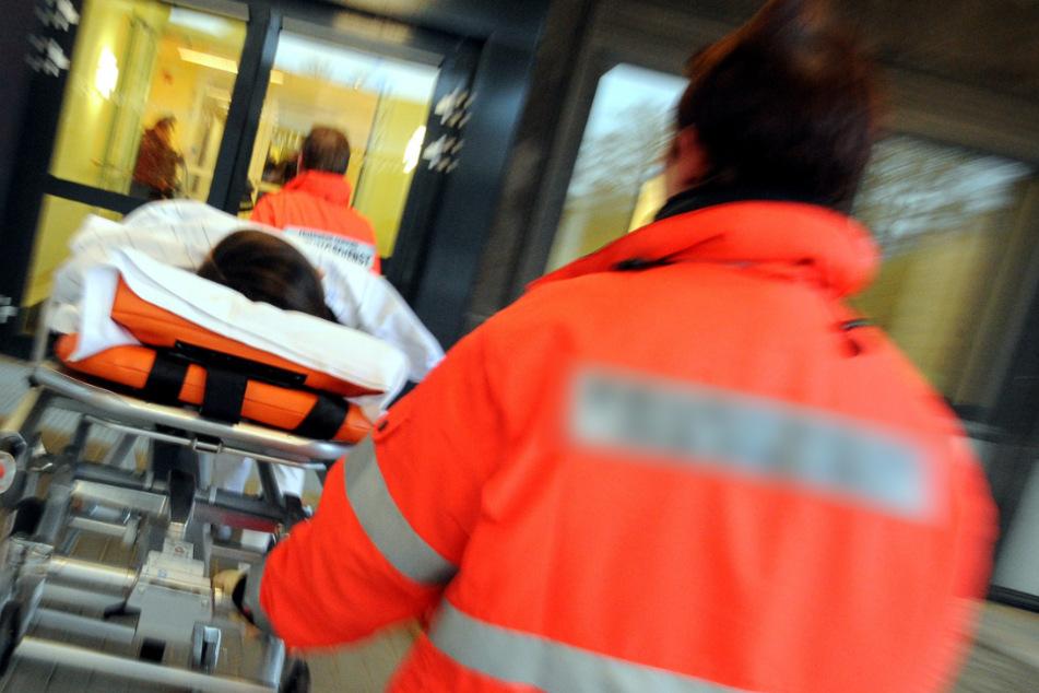 Kran kippt um: Bauarbeiter schwer verletzt