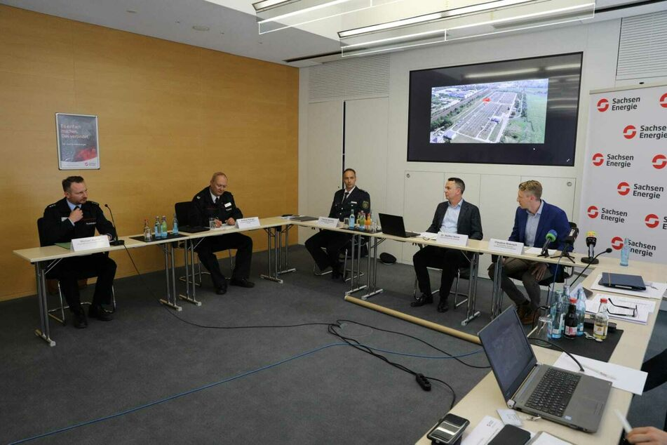 Am Dienstag gab es eine Pressekonferenz von SachsenEnergie gemeinsam mit Polizei und Feuerwehr.