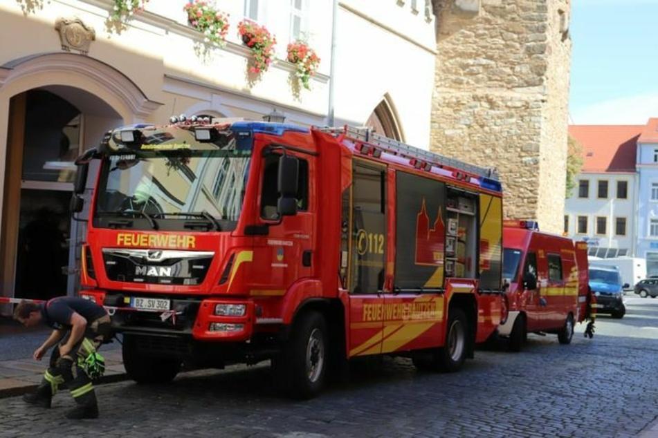 Die Feuerwehr wurde wegen eines beißenden Geruchs in der Wendischen Straße alarmiert.