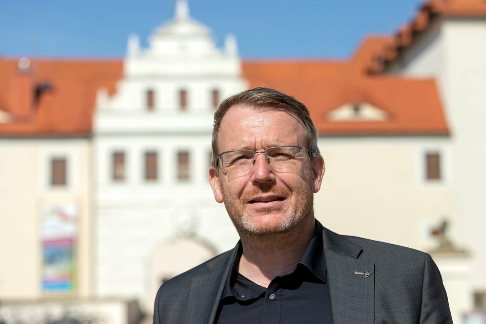 Oberbürgermeister Sven Krüger (46, parteilos) verspricht trotz abgespeckten Christmarkt ein weihnachtliches Flair in der Freiberger Innenstadt.