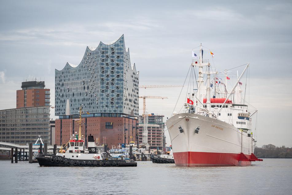 """Hamburg: Museumsschiff """"Cap San Diego"""" ist zurück in der Hansestadt"""