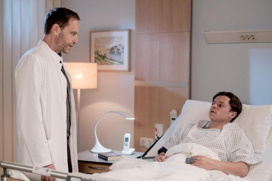 Dr. Kai Hoffmann muss Luka mitteilen, dass er einen Tumor hat. Die Geschlechtsumwandlung rückt in weite Ferne.