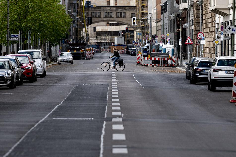 Die Straßen in Deutschland sind deutlich leerer als gewohnt. (Archivbild)