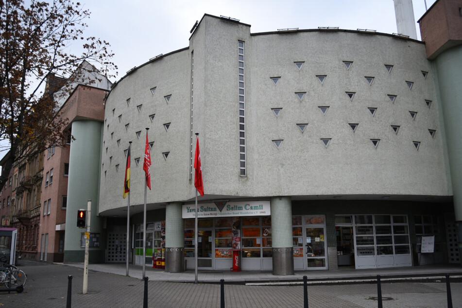 Hier ist die Mannheimer Moschee am Luisenring zu sehen.