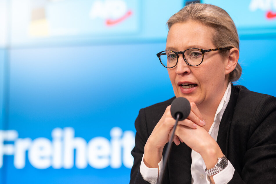 Alice Weidel (42) spricht während der Vorstellung der AfD Baden-Württemberg ihres Wahlprogramms und der Kampagne für die Landtagswahl in Baden-Württemberg. Im ZDF hat sie die Aufhebung des Lockdowns gefordert.
