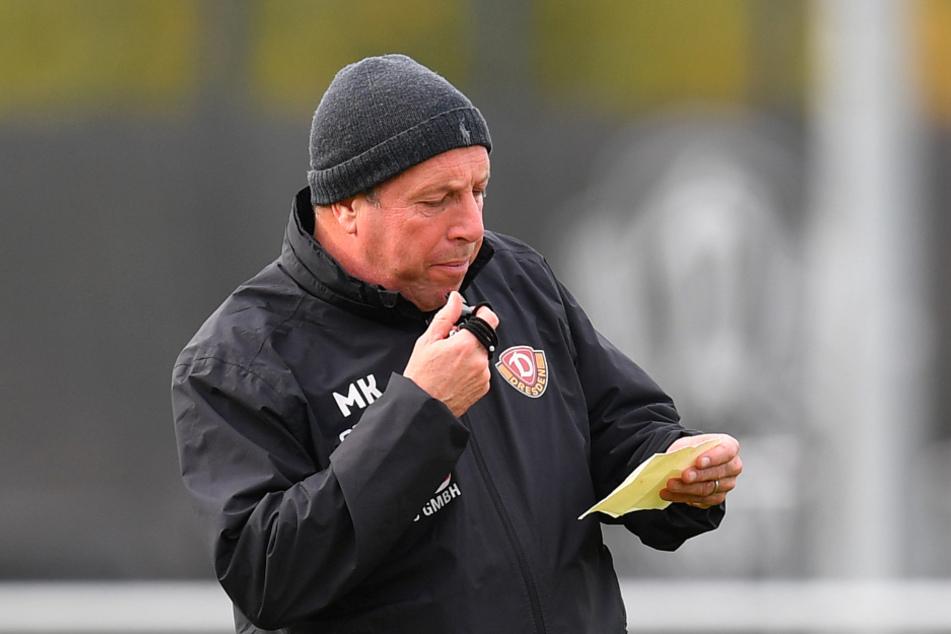 Was hat Markus Kauczinski auf dem Zettel? Vor allem bei der Besetzung der Außenverteidiger-Positionen muss Dynamos Trainer kreativ sein.