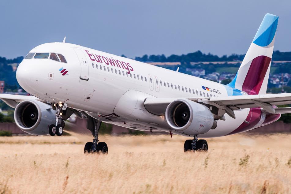 Die Lufthansa-Tochter Eurowings rechnet mit einer längeren Flaute im Flugverkehr.