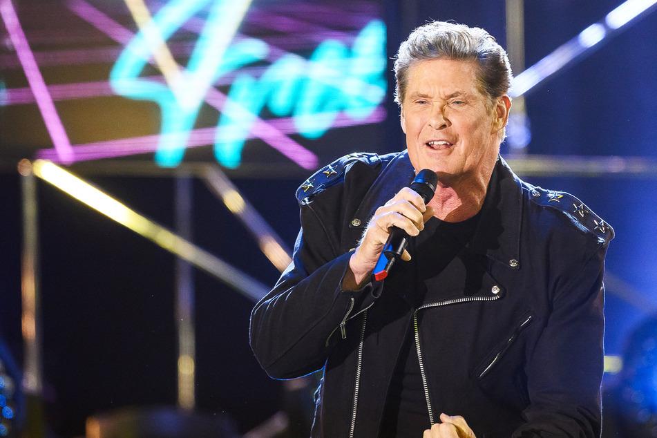David Hasselhoff (69) hat an neuer Musik gearbeitet und dreht derzeit eine TV-Serie.