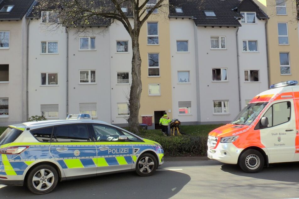 Die beiden Frauen wurden in einer Wohnung in Haan von einem Unbekannten angegriffen. Für die 64-Jährige kam jede Hilfe zu spät.
