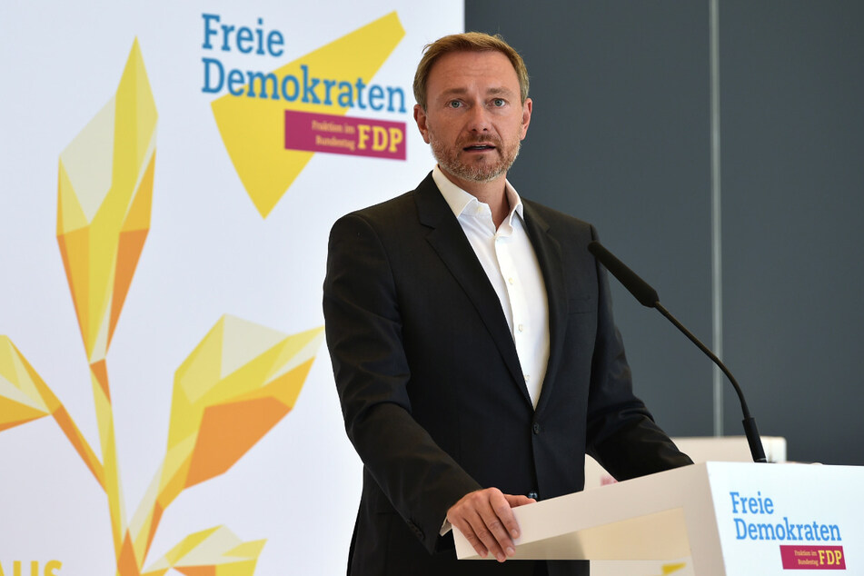 Christian Lindner (41), Bundesvorsitzender der FDP, spricht auf einer Pressekonferenz. Die Bundestagsfraktion der FDP traf sich am Mittwoch zu ihrer Klausurtagung im Reichstagsgebäude.