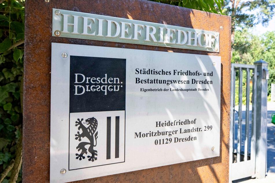 """Stimmt der Stadtrat zu, öffnet auf dem Heidefriedhof die erste Dresdner """"Urnenwahlgrabstätte für Mensch-Tier-Bestattungen""""."""