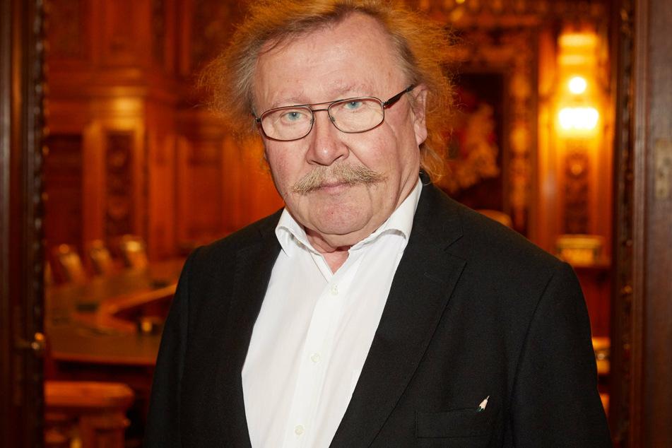 """Aus Sicht von Peter Sloterdijk (74) gibt es """"sektenähnliche Meinungsgenossenschaften"""" in solchen Gruppen."""