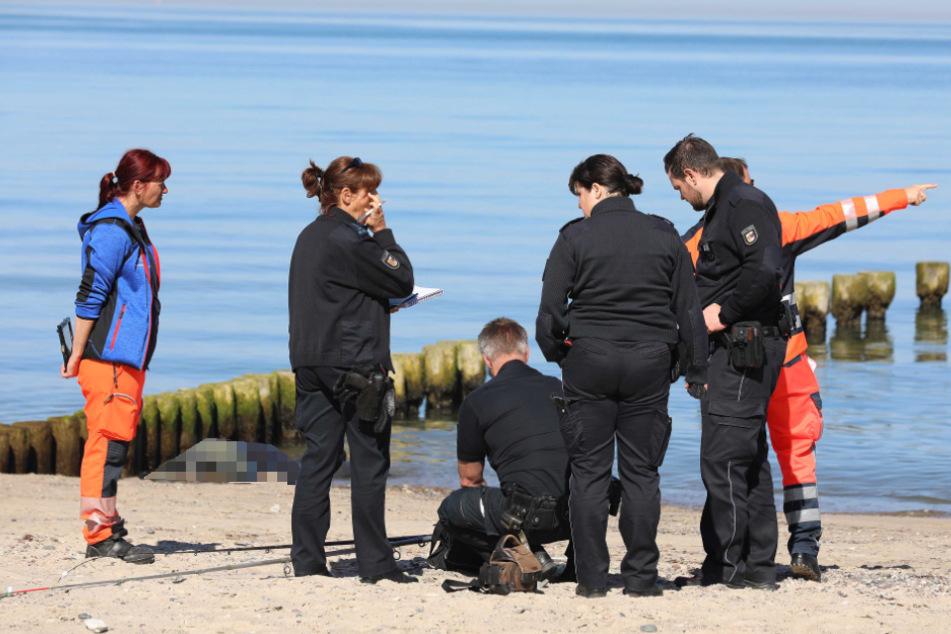 Spaziergänger findet Leiche am Ostsee-Strand