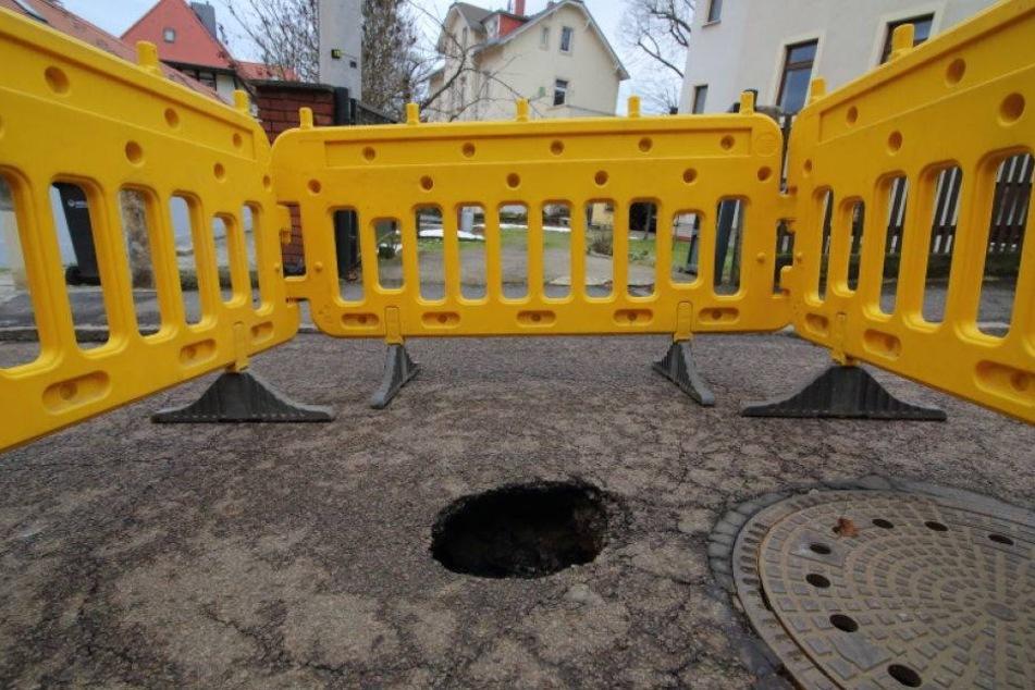 Straße in Loschwitz eingebrochen: Vollsperrung!