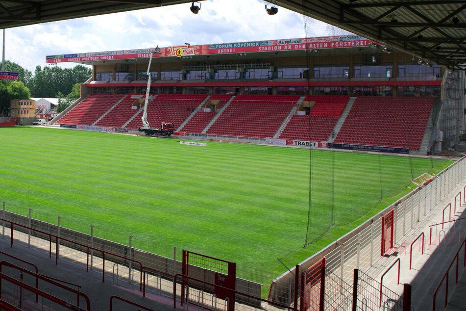 Trotz Hygienekonzept und ersten Test-Versuchen werden die Ränge im Stadion an der Alten Försterei und generell bei Sport- und Kulturveranstaltungen in Berlin weiterhin leer bleiben.