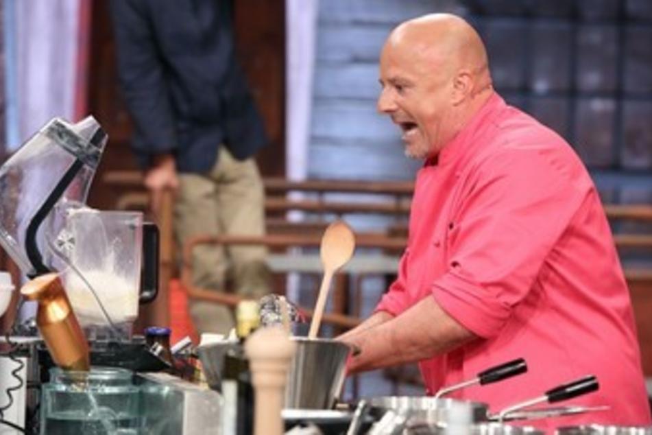 """Reality-TV-Star und """"Koch-Azubi"""" Detlev Steves sprang für seinen Kollegen ein und kochte weiter."""