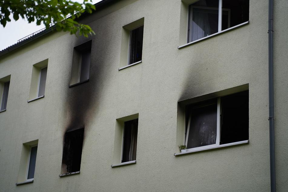 In einem Mehrfamilienhaus in Kleinbautzen stand eine Wohnung in Vollbrand. Ein Junge (4) sprang aus dem Fenster, um sich zu retten.