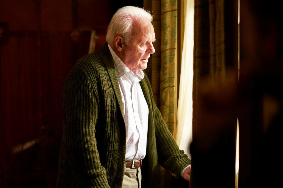 """Sir Anthony Hopkins (83) zeigt in """"The Father"""" eine der besten Leistungen seiner gesamten Karriere und hat sich seine """"Oscar""""-Nominierung redlich verdient!"""
