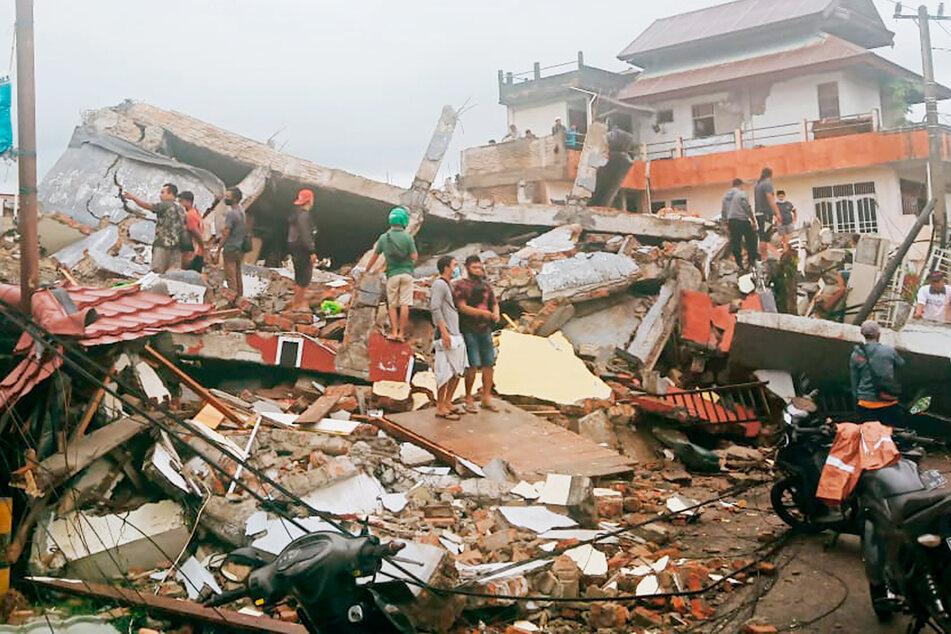 Schlimmes Erdbeben fordert 91 Tote und mehr als 1100 Verletzte