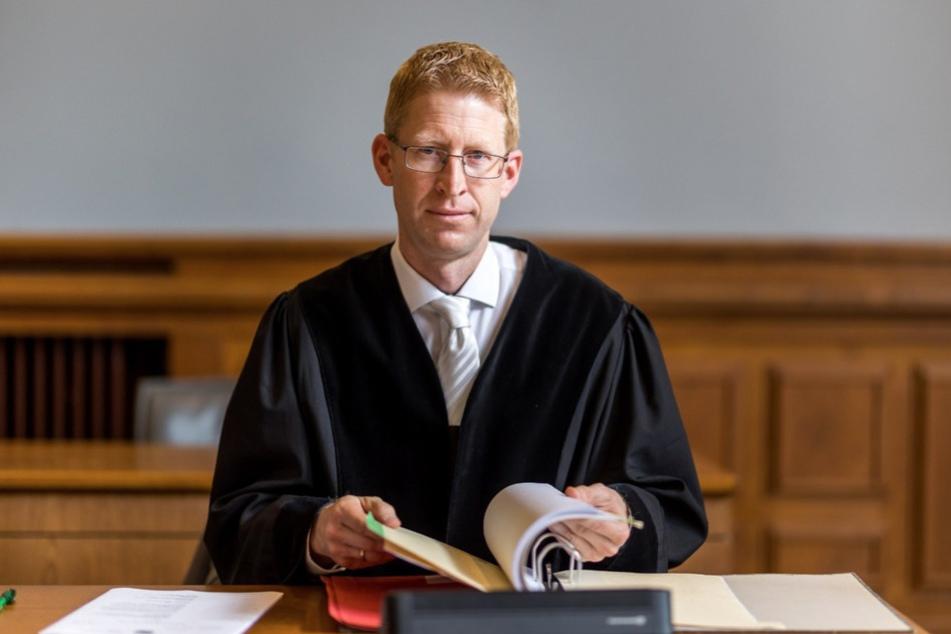"""Staatsanwalt Torsten Naumann bezeichnete die Tat zum Prozessauftakt als """"heimtückischen Mord aus niedrigen Beweggründen""""."""