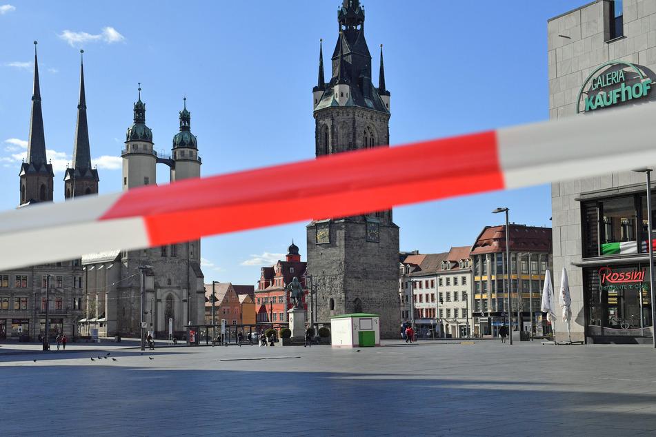 In Halle hat sich Oberbürgermeister Bernd Wiegand (64, parteilos) mit einem juristischen Gutachten an die Stadträte gewandt...