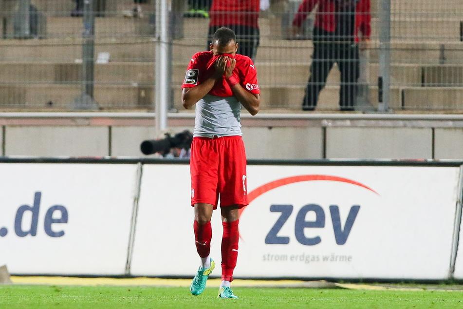 Emotionaler Kicker: Nach erfolglosen Spielen ist Steffen Nkansah (25) untröstlich.