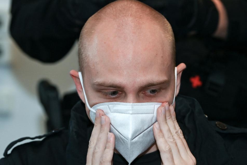 Magdeburg: Der angeklagte Stephan Balliet sitzt zu Beginn des 18. Prozesstages im Landgericht.