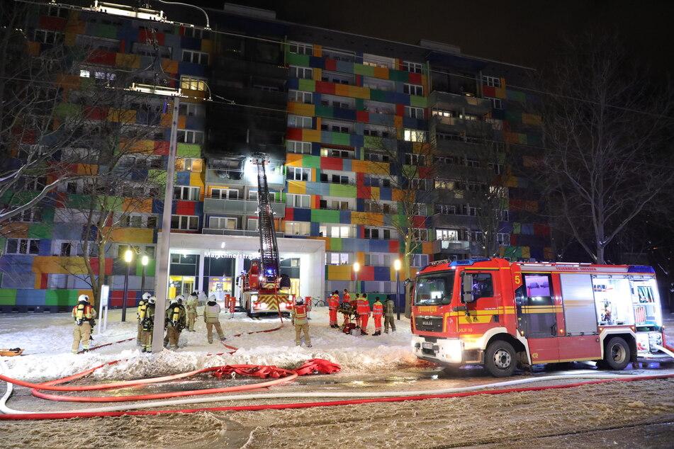Die Feuerwehr war mit Großaufgebot vor Ort.
