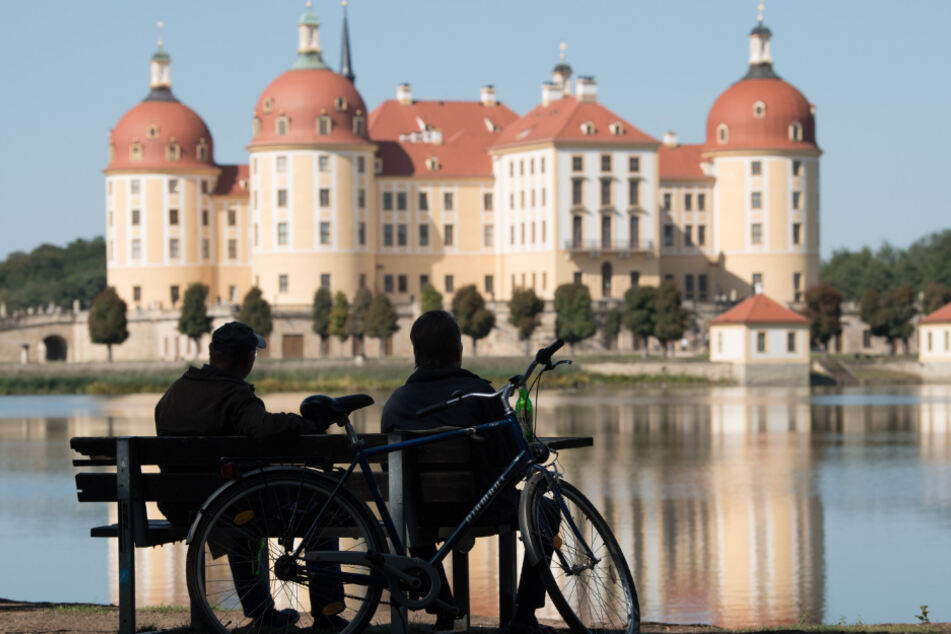 Schloss Moritzburg hat nicht geöffnet, ist aber für einige Dresdner noch in der erlaubten Entfernung.