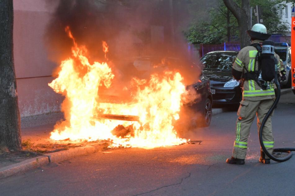 Neukölln kämpft gegen Serien-Brandstifter: Erneut Auto abgefackelt