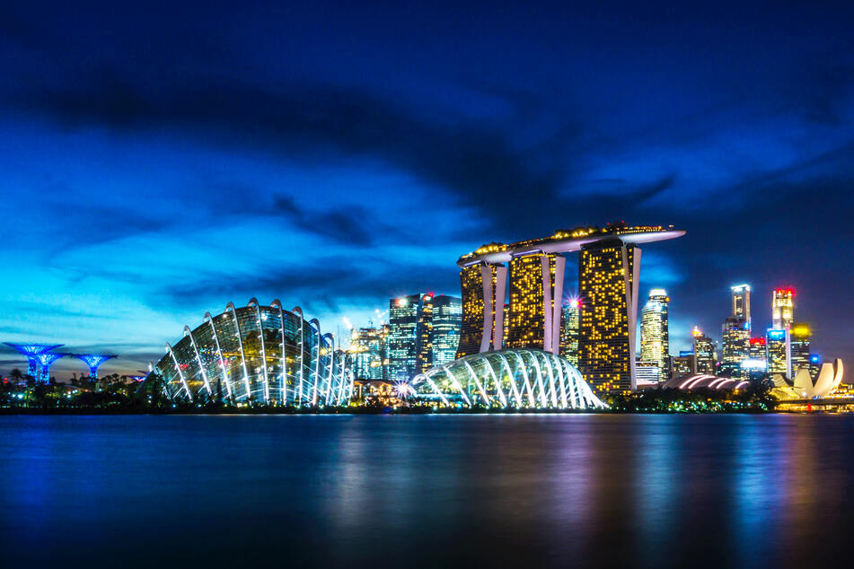 Singapur empfängt wieder Deutsche, die geimpft sind und ein negatives PCR-Testergebnis mitbringen.