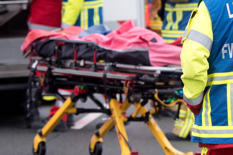 Bei einem Frontalzusammenstoß nahe Wertingen ist in Bayern ein 30 Jahre alter Mann gestorben. (Symbolbild)