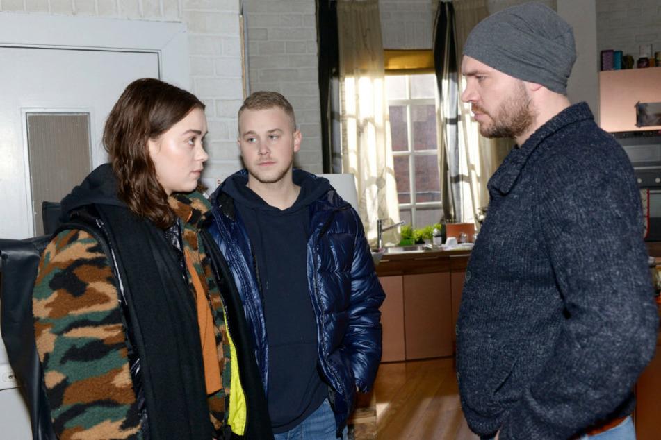 Schlechte Stimmung zwischen Erik (r) und seiner Tochter Merle (l).