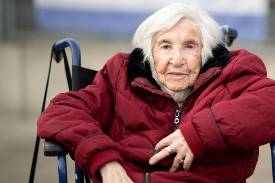 Esther Bejarano (96), Holocaust-Überlebende, sieht den Wiederaufbau eher kritisch.