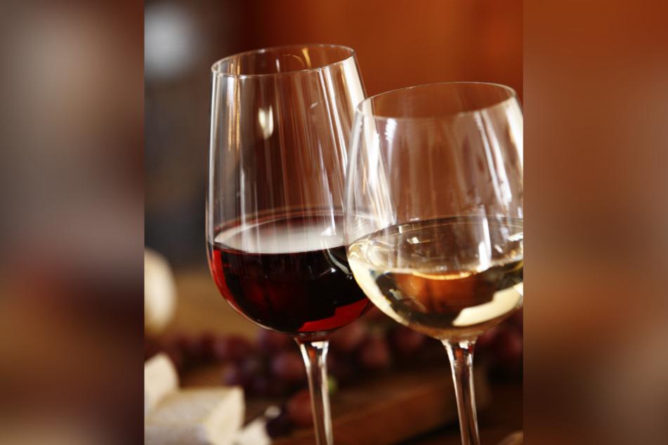 Geschmacksexperten und Ernährungsberater empfehlen Wein zu Curry. Bei der Sorte sind sie sich jedoch uneinig.