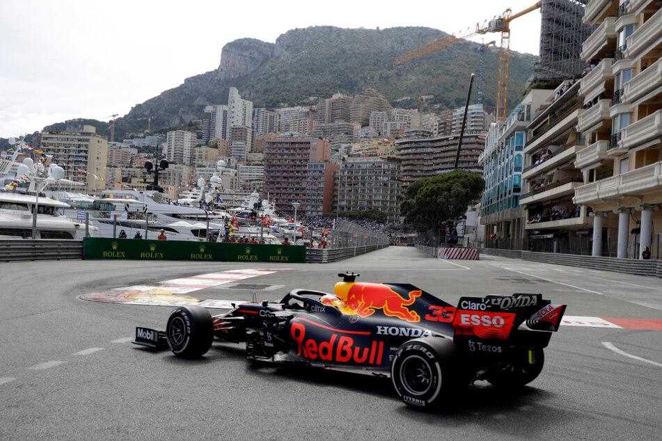 Red-Bull-Pilot Max Verstappen aus den Niederlanden hat sich in Monaco die WM-Führung geschnappt.