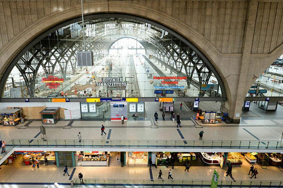 Am Montag hatte es eine Frau am Leipziger Hauptbahnhof auf eine Weinflasche abgesehen.