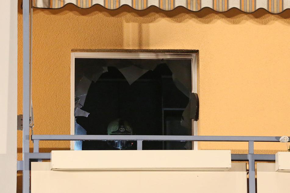Einsatzkräfte verschafften sich Zugang zur Wohnung.