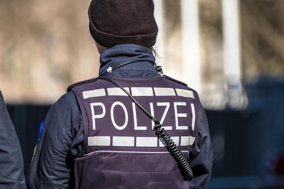 Fünf Fahndungen und Einreiseverbot: Polizei erwischt 70-Jährigen
