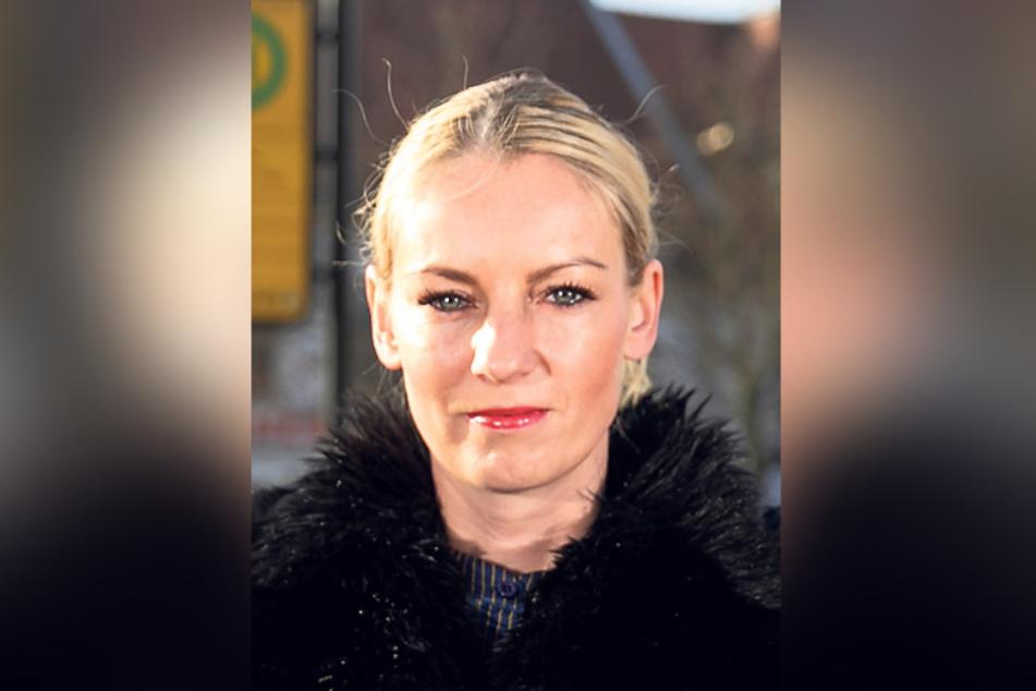 Martin Riedel erklärt SPD-Rätin Kristin Sturm (34) seinen Plan zur Rettung des Sees.
