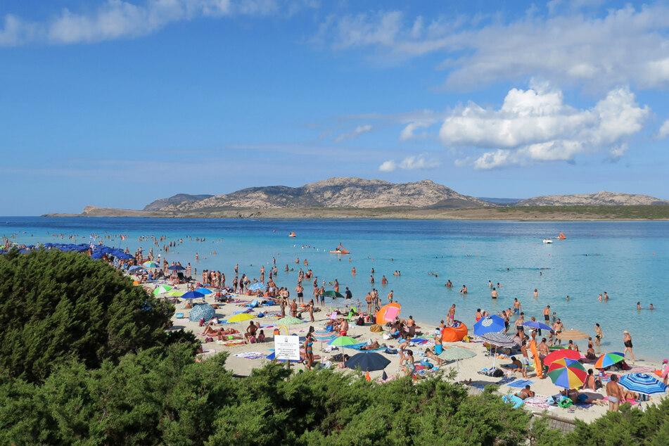 Die Mittelmeerinsel Sardinien verschärft ihre Einreisebestimmungen.