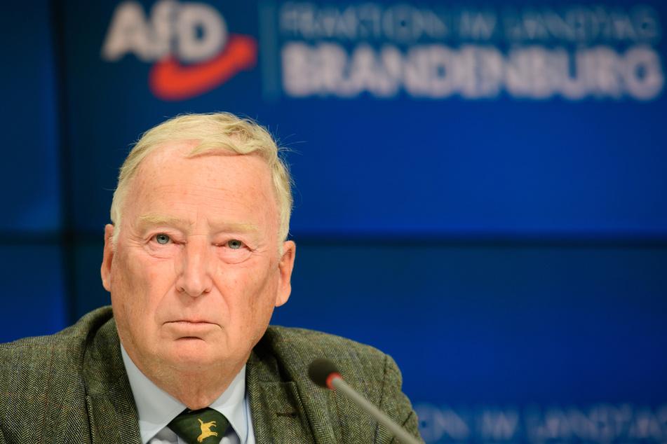 Alexander Gauland (79), Ehrenvorsitzender der AfD, während einer Pressekonferenz nach der Sitzung der Brandenburger AfD-Fraktion.