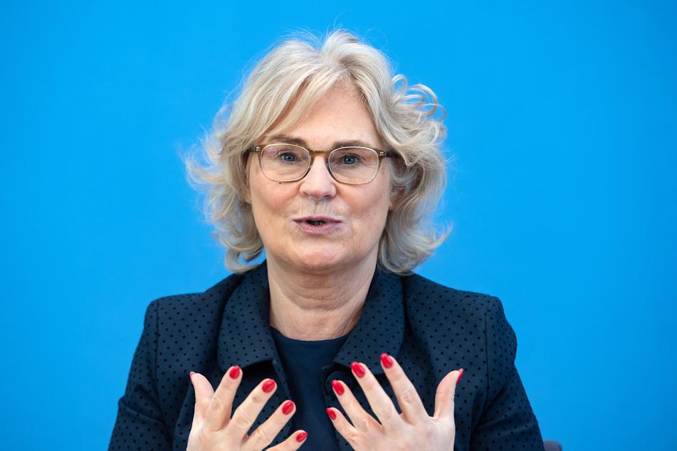 Justizministerin Christine Lambrecht (55, SPD).