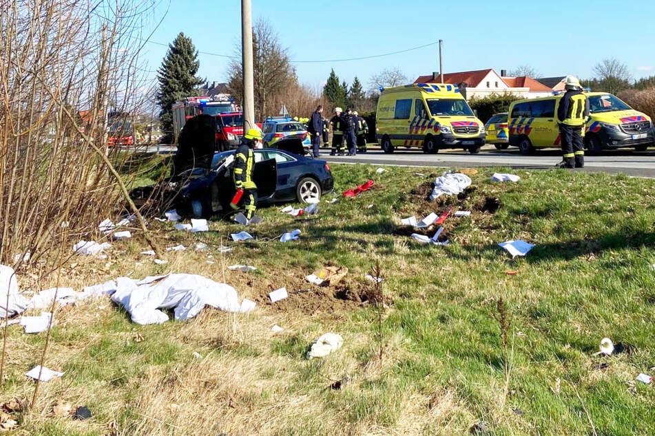 Viele Ersthelfer rückten an und versorgten das Unfallopfer.