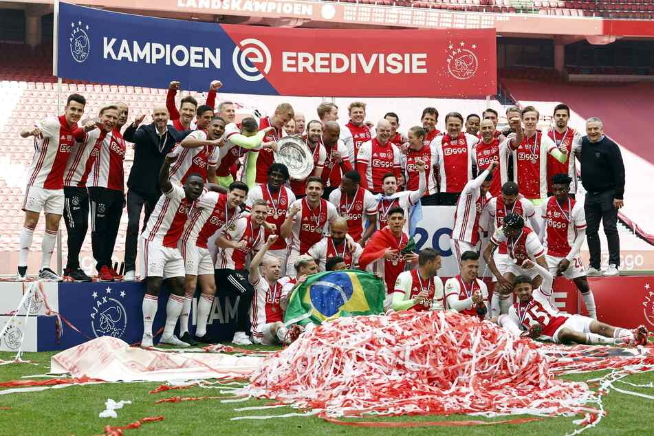 Ajax Amsterdam, unter anderem mit RB-Neuzugang Brian Brobbey (19), konnte vor ein paar Wochen bereits den Gewinn ihrer 35. niederländische Fußball-Meisterschaft feiern.