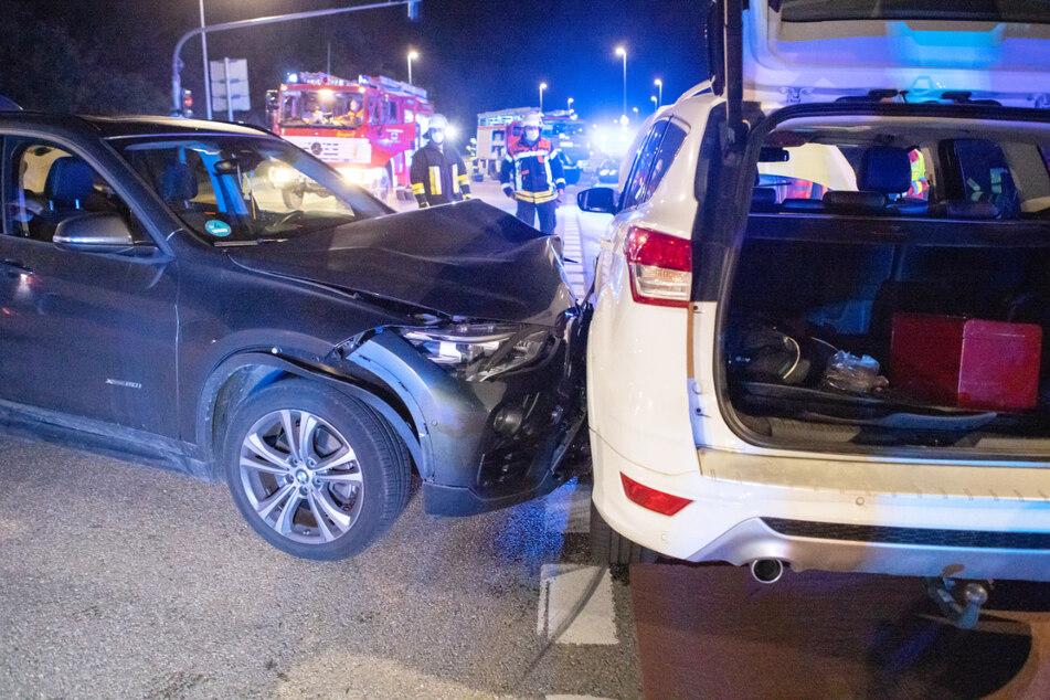 Ein Kleinkind (3) wurde bei dem Unfall im Kreuzungsbereich Stadelner Straße und Vacher Straße verletzt.