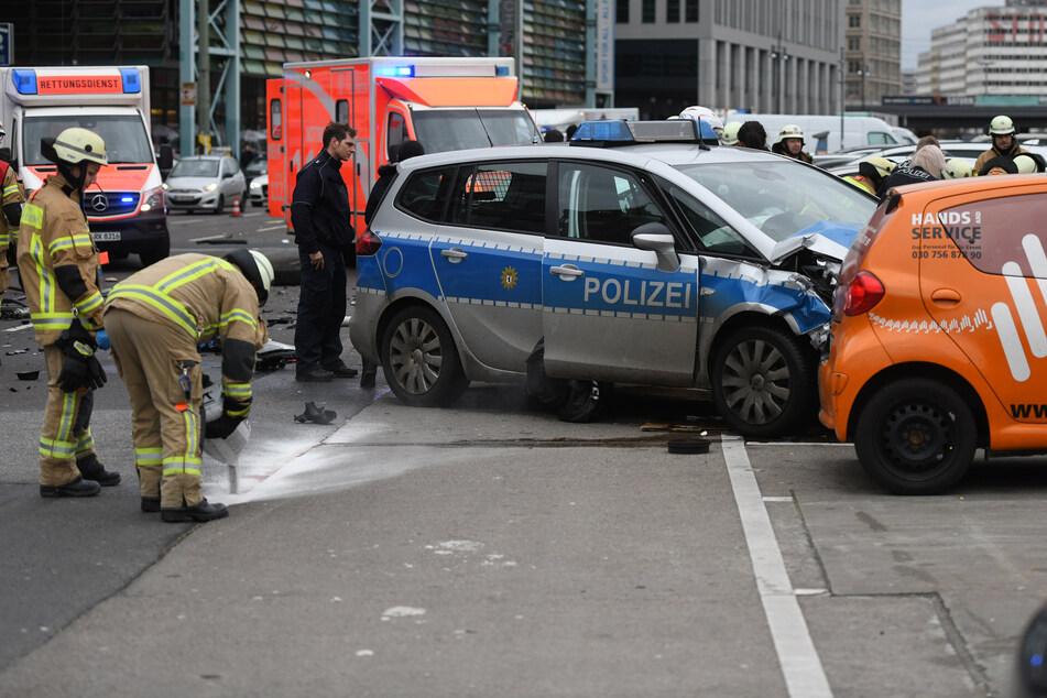 Ein 53-jähriger Polizeibeamter steht nach einem tödlichen Unfall in Berlin vor Gericht.