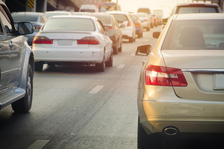 Frau (25) stellt Motor ihres Autos im Stau auf der A8 ab: Ein großer Fehler