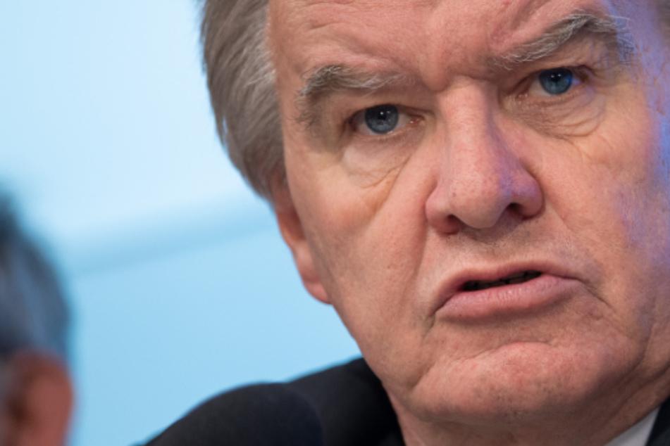 Autobahn-Raserei des grünen Umweltministers hat Nachspiel im Landtag