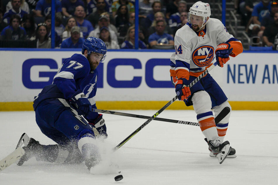 NHL Playoffs: New York Islanders top Tampa to take game one from the defending champions